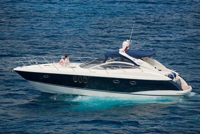 ABSOLUTE 45  Navegar en la bahía de Palma